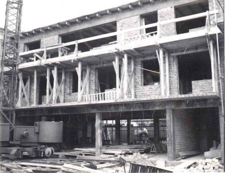 Frontansicht Elite Appartements Rohbau circa 1968